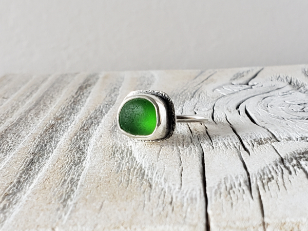 beach style sterling silver and seaglass ring